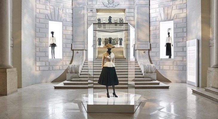 Дом Dior: 70-летие и выставка Christian Dior, couturier du rêve